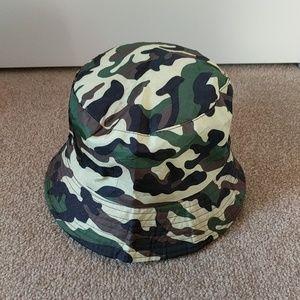495b9c0ecbfa1 Boys camo lightweight bucket hat